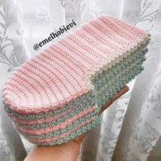 I like to know how much can I have a price in this slippers Crochet Slipper Pattern, Knitted Slippers, Wool Socks, Slipper Socks, Crochet Slippers, Crochet Patterns, Bed Socks, Patterned Socks, Crochet Squares
