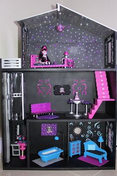 Monster High hand crafted doll house (Leila would FLIP!)