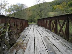 Old bridge, western Ukraine in the Carpathian Mountains Crafts With Pictures, Cool Pictures, Old Bridges, Carpathian Mountains, Pathways, Barns, Mother Nature, Ukraine, Abandoned