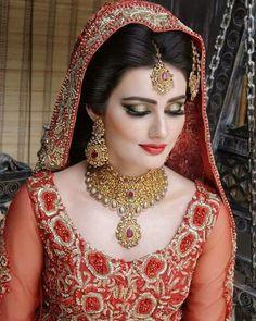 Stunning Wedding Dresses Stylish and Eye-Catching look 2017 Pakistani Bridal Jewelry, Pakistani Wedding Dresses, Wedding Lenghas, Nikkah Dress, Bridal Jewellery, Bridal Lehenga, Bridal Makeup Looks, Bridal Beauty, Saris