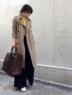 Japan Fashion, Daily Fashion, Hijab Fashion, Fashion Outfits, Womens Fashion, Trench Coat Outfit, Fashion For Women Over 40, Office Fashion, Autumn Winter Fashion