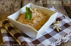 Pesto+di+pomodori+secchi+e+ricotta