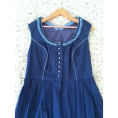 Vintage blue dress In good condition. No tag or size on dress. Made well. I think it's a size 10 or 12. Measurements are 20' top. Shoulder to waist is 16' waist is 18'. Length is 43'. This is a figure flattering dress. Vintage Dresses Midi