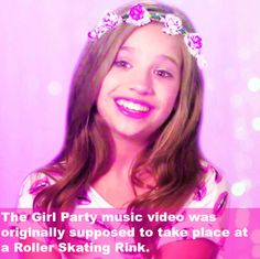 Dance Moms Facts- it would've been cooler if it was at a roller skating rink Facts About Dance, Dance Moms Facts, Dance Moms Dancers, Dance Mums, Dance Moms Girls, Dance Moms Quotes, Dance Moms Funny, Dance Moms Comics, Maddie Z