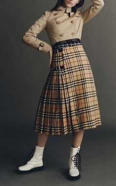 Get inspired and discover Burberry: The Heritage Trench Collection trunkshow! Shop the latest Burberry: The Heritage Trench Collection collection at Moda Operandi. Burberry Outfit, Mix N Match, Trench, Chelsea, High Waisted Skirt, Womens Fashion, Skirts, Separates, Shopping