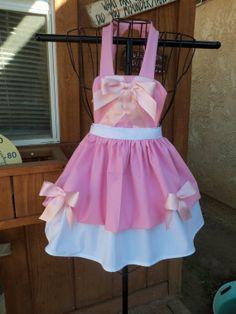 Mice made Childs Apron with Bib Dress Up Aprons, Cute Aprons, Dress Up Outfits, Dress Up Costumes, Princess Aprons, Princess Apron Pattern, Little Girl Dresses, Girls Dresses, Disney Aprons
