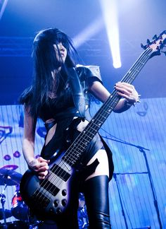 Bass, Rock And Roll Girl, Heavy Metal Girl, Prs Guitar, Women Of Rock, Grunge, Guitar Girl, Women In Music, Female Guitarist