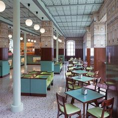 Bar Luce Inside the revamped Fondazione Prada, filmmaker Wes Anderson put his unmistakable retro pastiche spin on a Milanese-style café Visual Merchandising, Bar Furniture, Outdoor Furniture Sets, Cafe Interior, Interior Design, Milan, Restaurants, Cafe Concept, Restaurant Concept