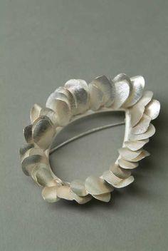 kayo saito  oval brooch