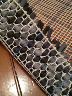Posts about diy rug written by maya mori Rag Rug Diy, Rag Rugs, Weaving Loom Diy, Latch Hook Rugs, Diy Crafts To Do, Canvas Designs, T Shirt Yarn, Weaving Techniques, Diy Canvas