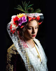 Greek bride from Gastouri, Corfu, Greece. Greek Traditional Dress, Traditional Wedding, Greece Costume, Greek Beauty, Bridal Headdress, Classical Mythology, Greece Wedding, Beautiful Costumes, Folk Costume