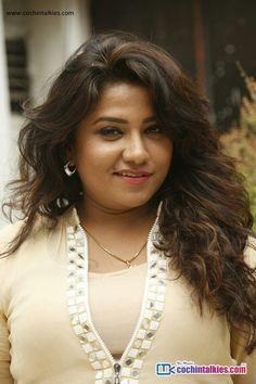 Beautiful Girl Image, Most Beautiful Women, Hot Actresses, Indian Actresses, Dehati Girl Photo, South Indian Actress Hot, Saree Photoshoot, Indian Beauty Saree, Power Girl