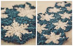 snowflake afghan.   pattern: http://www.artoftangle.com/snowflake.htm