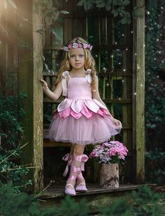 Sewing to children - patterns, Шитье деткам – выкройки, рукоделие Sewing to children – patterns, needlework - Toddler Girl Style, Toddler Girl Outfits, Kids Outfits, Fashion Kids, Little Girl Dresses, Girls Dresses, Robes Tutu, Fairy Clothes, Kids Frocks