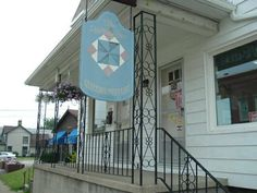 Heirloom Quilting and Antiques, Brookville, PA. Now this is the ... : quilt shops pennsylvania - Adamdwight.com
