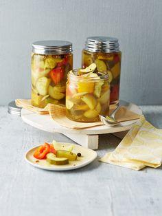 Zucchini süß - sauer, ein sehr leckeres Rezept aus der Kategorie Gemüse. Bewertungen: 13. Durchschnitt: Ø 4,5.