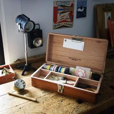 This beautiful wooden tool box designed and made by Classiky can accompany you through the analogue journey. Place it on your desk to host your favorite tapes, stamps, scissors, and keepsakes or carry ähnliche tolle Projekte und Ideen wie im Bild vorgestellt findest du auch in unserem Magazin . Wir freuen uns auf deinen Besuch. Liebe Grüße Mimi