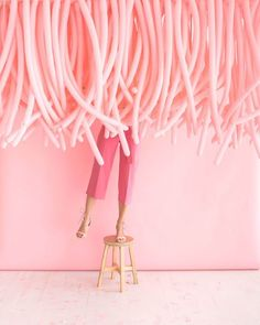 Hanging Balloon Installation |Oh Happy Day!     #party #diy #balloons Millenial Pink, Balloon Ceiling, Balloon Wall, Balloon Garland, Balloon Decorations, Balloon Ideas, Hanging Balloons, Long Balloons, Balloon Installation