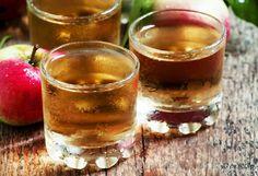 Investigadores han encontrado que el vinagre de sidra de manzana ayuda a disminuir los niveles de azúcar en la sangre en pacientes de diabetes de tipo 1 y 2.