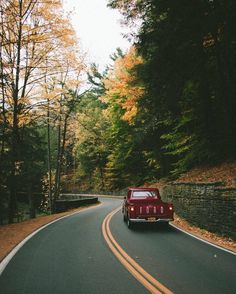 as Autumn sets in. Beautiful Photos Of Nature, Beautiful Landscapes, Beautiful Places, Road Trip Adventure, Far Away, Architecture, Habitats, Country Roads, Explore