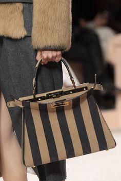Fendi at Milan Fashion Week Fall 2020 - Details Runway Photos Kendall Jenner Style, Kendall And Kylie, Kylie Jenner, Chloe Handbags, Burberry Handbags, Leather Handbags, Burberry Bags, Kardashian Kollection, Fashion Bags