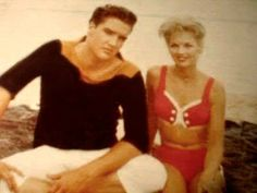 Elvis - Rare pic from the early 60's