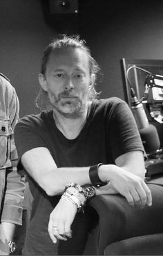 """biitumen: """" my heart """" Thom Thom, Colin Greenwood, Thom Yorke Radiohead, Ok Computer, How To Disappear, Alternative Rock Bands, Old Music, Great Bands, My Guy"""