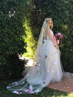 Oh my, this floral wedding veil is so dreamy! | Cathedral Length Customized Floral Veil | Wedding Veil | Modern Wedding Ideas | Unique Wedding Ideas | Nontraditional Bride | Ceremony Veil | Long Wedding Veil | Wedding Accessories | #veil #weddingveil