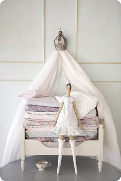 I am saying NO to an adults who decorate their homes with Tildas. Read more here http://interiorspl.com/strona-gwna/tildze-mowi-nie.html