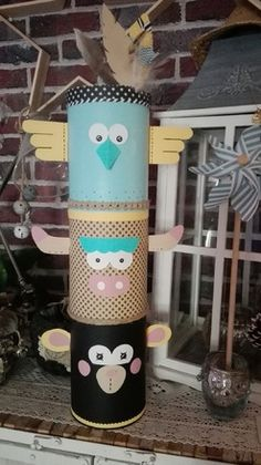Indian totem for a pretty decoration tipi and feathers It can be used co . - Erica J. Theme Bapteme, Baby Shower Games Coed, Event Organization, Woodland Party, Western Decor, Diy Crafts For Kids, Baby Shower Decorations, Kids And Parenting, Craft Projects
