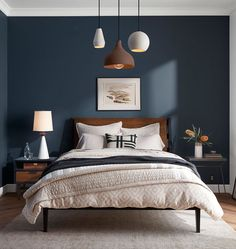 Home modern bedroom color schemes Ideas for 2019 Dark Accent Walls, Accent Wall Bedroom, Gray Bedroom, Bedroom Bed, Dark Bedroom Walls, Queen Bedroom, Gray Walls, Glamour Bedroom, Bedroom Apartment