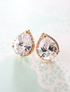absoutley perfect earrings for the bride!