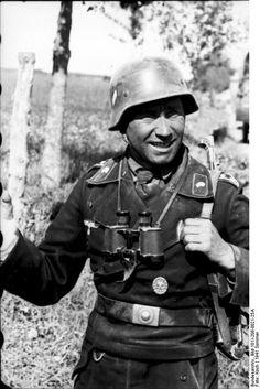 Oberfeldwebel( uder-officer?) from  Panzertruppen. Russia 21 June 1941