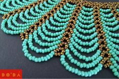 This gorgeous hand-beaded necklace is handmade for Embera indigenous in Colombia with Thousands of Tiny beads / Este hermoso collar de chaquiras es hecho a mano por indigenas emberá en Colombia con millones de pequeñas chaquiras Seed Bead Necklace, Beaded Earrings, Beaded Bracelets, Necklaces, Scarf Jewelry, Bead Jewellery, Beaded Jewelry Patterns, Beading Patterns, Diy Bracelets Easy