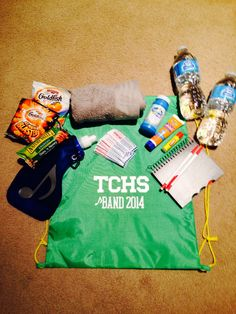 band camp survival kit - Love this! Band Mom, Band Nerd, Marching Band Memes, Survival Kit Gifts, Summer Camping Outfits, High School Band, Camping Gifts, Camping Survival, Emergency Preparedness