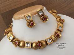Gold Bangles Design, Gold Jewellery Design, Gold Jewelry, Jewelery, Wedding Jewellery Designs, Antique Jewellery Designs, Gold Kangan, Camera Necklace, Tikka Jewelry