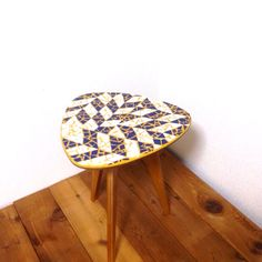 Mosaic tile coffee table by Mosaic tile works🔹🔹🔹 http://kirasaya.com
