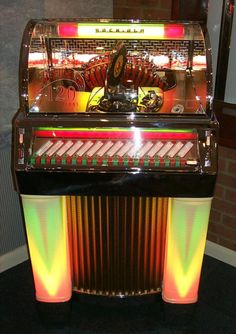 The Jukebox Showroom Music Hits, Music Radio, Bar, American Graffiti, Retro Radios, Good Old Times, Record Players, Vintage Box, Jukebox