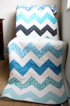 chevrons using one fabric for each row--squares, no triangle pieces except at top and bottom
