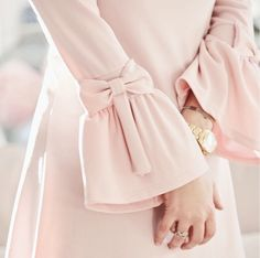 Pink bows on sleeves Kurti Sleeves Design, Sleeves Designs For Dresses, Sleeve Designs, Blouse Designs, Abaya Designs, Abaya Fashion, Muslim Fashion, Fashion Dresses, Modesty Fashion