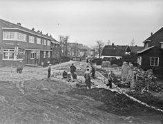 Werk aan de weg in Hilversum op de Oosterengweg in de jaren '50