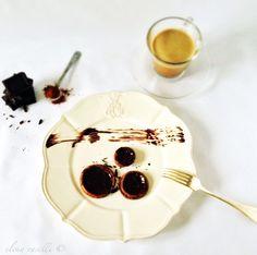 low carb, flourless and sugarfree chocolate & coffee pancakes!