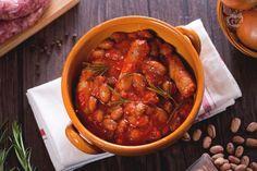 Un piatto di salsiccia e fagioli è proprio quello che serve per ristorarsi dopo una lunga giornata! Un sapore intenso per un piatto unico eccezionale!
