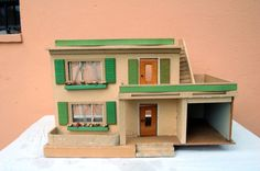 Delightful GDR Dolls House, 1950er Years, H 42 X W 66 X D 35 Cm |