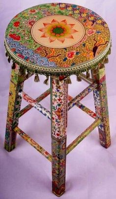 A decoupage stool with a shabby chic motive Hand Painted Furniture, Funky Furniture, Cheap Furniture, Painting Furniture, Bohemian Furniture, Furniture Ideas, Furniture Chairs, Painting Art, Furniture Redo