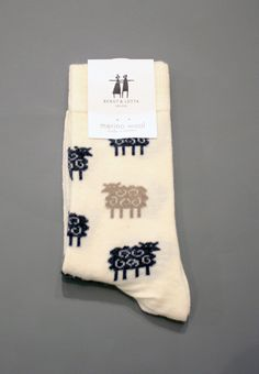 Merino wool socks, made in Sweden. High quality, fashionable & fun, machine washable. Size 35 -39