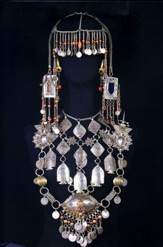 Berber jewellery set from Morocco Arabic Jewelry, Turkish Jewelry, Saint Laurent Paris, Tribal Jewelry, Bohemian Jewelry, Dangle Belly Rings, Fashion Themes, African Trade Beads, Socks And Heels