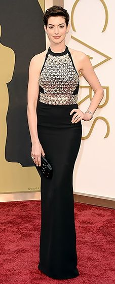 Anne Hathaway dressed in Gucci at the 2014 Oscars