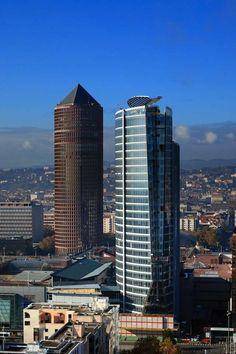 Les gratte-ciel de Lyon (crayon et tour Oxygène)