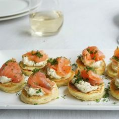 #RecipeoftheDay: Smoked Salmon on Dill Pikelets by melbel
